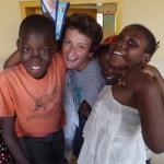 FANO / Alice e Francesca, due giovani de L'Africa Chiama partite per la baraccopoli di Soweto in Kenya