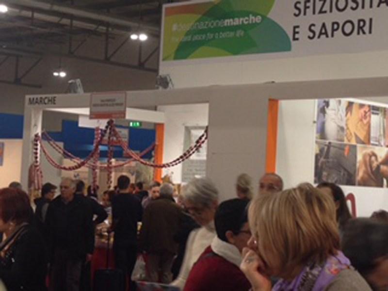 Consensi e tanti visitatori allo stand promozionale di Senigallia all'Artigiano in Fiera