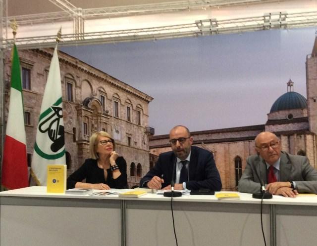 """Presentato al Salone del Libro di Torino """"L'intelligenza del vivere – i 510 anni dell'Università di Urbino"""""""