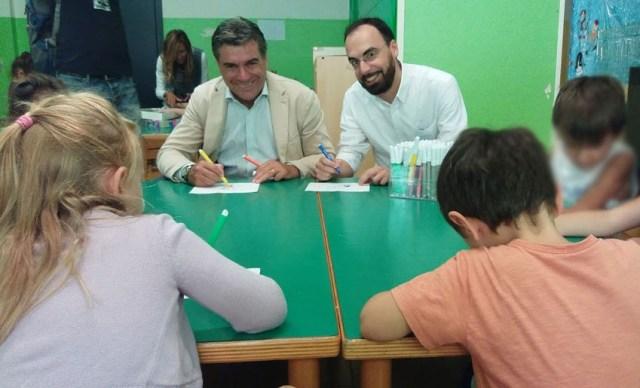 Gli studenti di Fano rientrano in classe salutati da sindaco e assessore