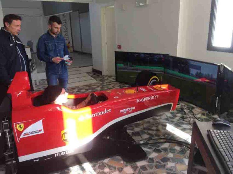 I simulatori della Ferrari hanno trasformato per un giorno tanti senigalliesi in piloti di Formula 1