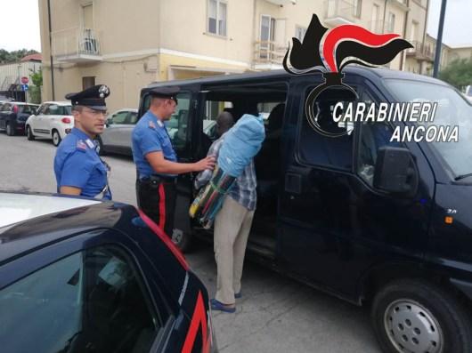 carabinieri commercio abusivo controlli lungomare SENIGALLIA2019-07-16-x0 (1)