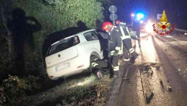 CHIARAVALLE incidente notte provinciale76 jesi feriti vdf2019-08-17-x0 (5)