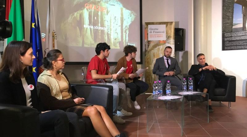 """Grande successo del progetto """"Grotte consapevoli"""": una platea under 18 per l'iniziativa al Museo di Genga"""