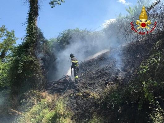 Monte San Vito incendio sterpaglie vdf2020-07-01 (3)