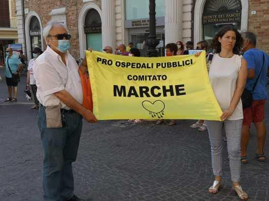 SENIGALLIA manifestazione protesta piazza pro ospedale2020-07-11 (3)