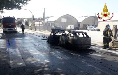 SASSOFERRATO incendio auto vdf2020-08-12 (1)