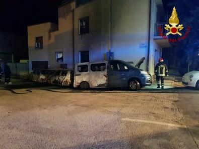 FALCONARA incendio auto furgone notte2021-01-16 (2)
