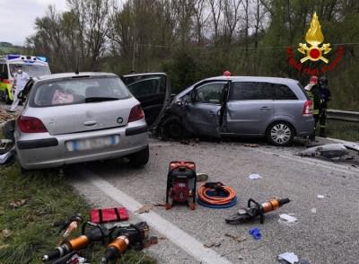 URBINO incidente feriti2021-04-22 (1)