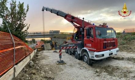 FALCONARA recuperato escavatore ribaltato2021-08-24 (1)