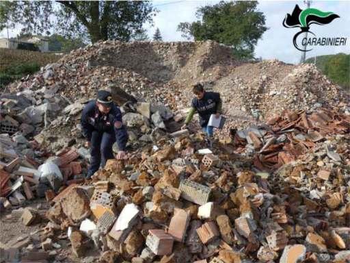 SANT'ANGELO IN VADO sequestro area rifiuti edilizia2021-10-07 (2)