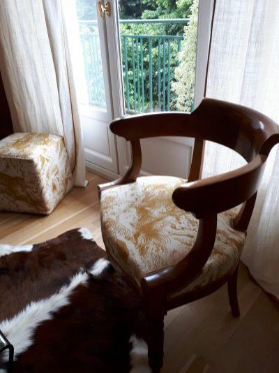 Chaise Empire tissu lin Manuel Canovas