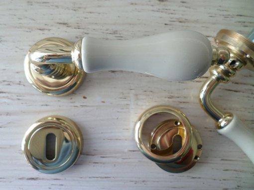porcellana avorio ottone