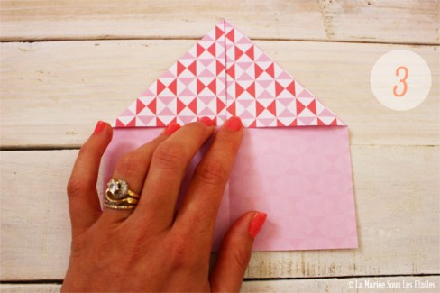 DIY {Do It Yourself} Marque-places cœur en origami| Etape 2 : L'art du pliage 3 par La Mariée Sous Les Etoiles