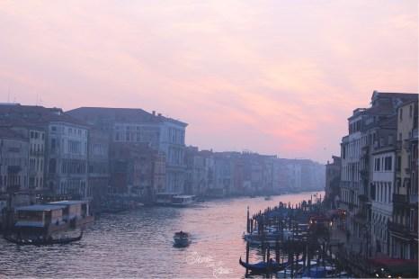 Vue du Pont du Rialto à Venise   Voyage en amoureux - Venise, Italie
