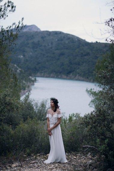 Inspiration mariage automnal en forêt | Crédit Lika Banshoya