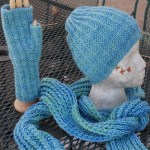German Rib Hat, Hand Warmers and Scarf Kit