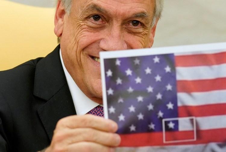 Piñera imprimió un meme para su visita a la Casa Blanca (Reuters)