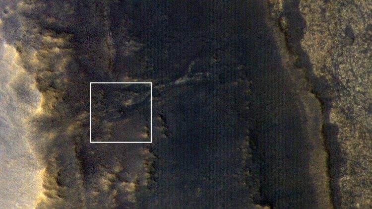 La fotografía, captada con una cámara de alta resolución HiRISE, ha provocado el optimismo en la NASA, puesto que no tenía ningún tipo de contacto con su vehículo desde el pasado 10 de junio