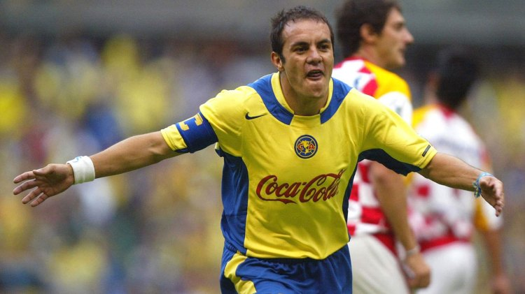 Cuauhtémoc Blanco, con la camiseta del América, donde fue ídolo y goleador durante años (Foto: Especial)
