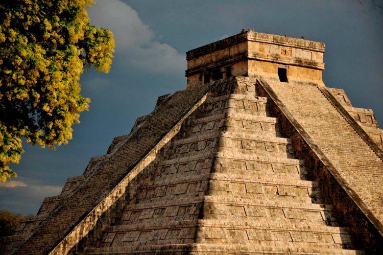 En El Castillo (Pirámide de Kukulcán) los turistas no pueden subir (Foto: Mauricio Marat/ INAH)