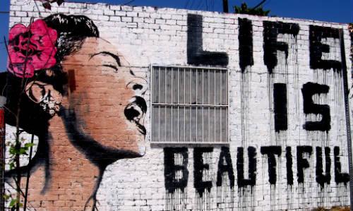 Esistere è un fatto, vivere è un'arte