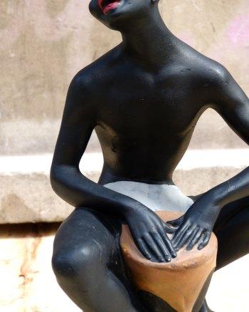Figura 50's de Bongo Man hecha en yeso
