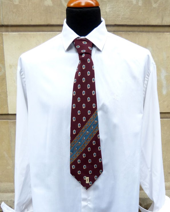 Corbata YSL 70's con estampado de flores Paisley