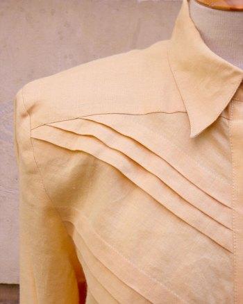 Blusa de Lino de los 80 con detalles en la pechera