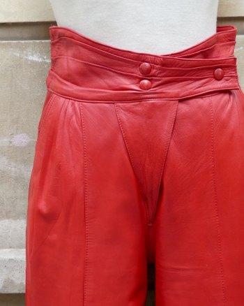 Pantalones de piel con cintura alta