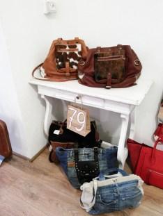 Mama Milano e il suo assortimento di borse