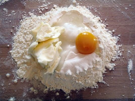 Crostata di pesche, la pasta frolla
