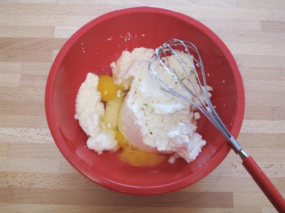 Canestrelli dolci con ricotta, uova, arancia e zafferano