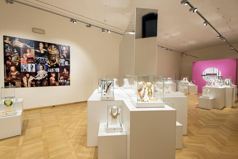 Scatenata: la mostra di gioielli