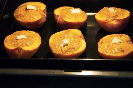 Pesche ripiene al forno con amaretti