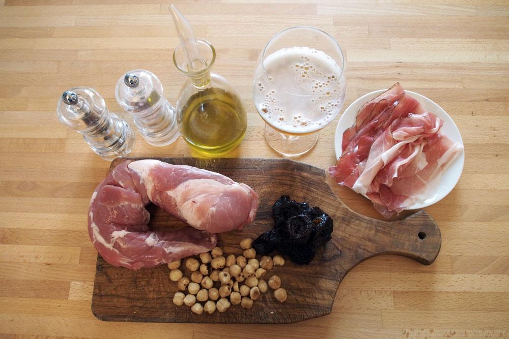 Filetto di maiale farcito con prugne e nocciole