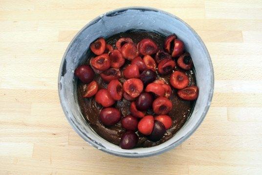Torta di ciliegie e cioccolato fondente