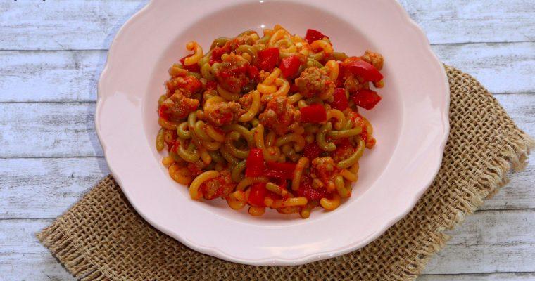 Gramigna con peperoni e salsiccia