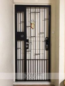 HDB-mild-steel-gate-with-samsung-gate-digital-lock-shp-ds705g