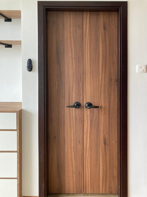 Wooden Bifold Door WBD07