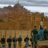 Situé dans la vallée de l'Ounila, proche de Ouarzazate (le Hollywwod Marocain), le ksar d'Ait Ben Haddou était l'un des nombreux comptoirs de la route commerciale qui reliait l'Afrique Saharienne à Marrakech.