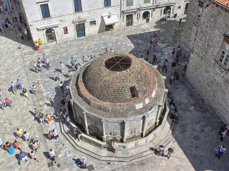 fuente Onofrio desde la muralla