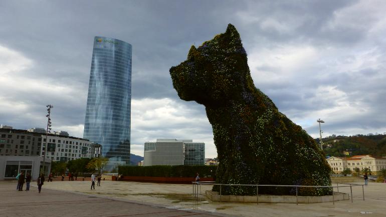 Torre Iberdrola y Puppy