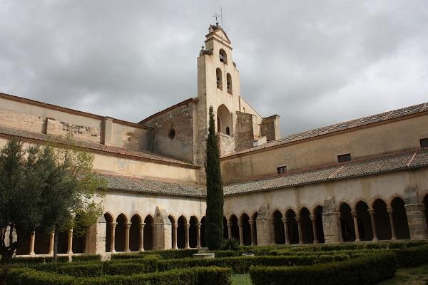 claustro de santa maria real de nieva