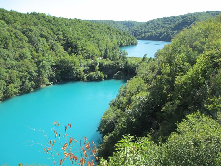 vista desde arriba de los lagos plitvice