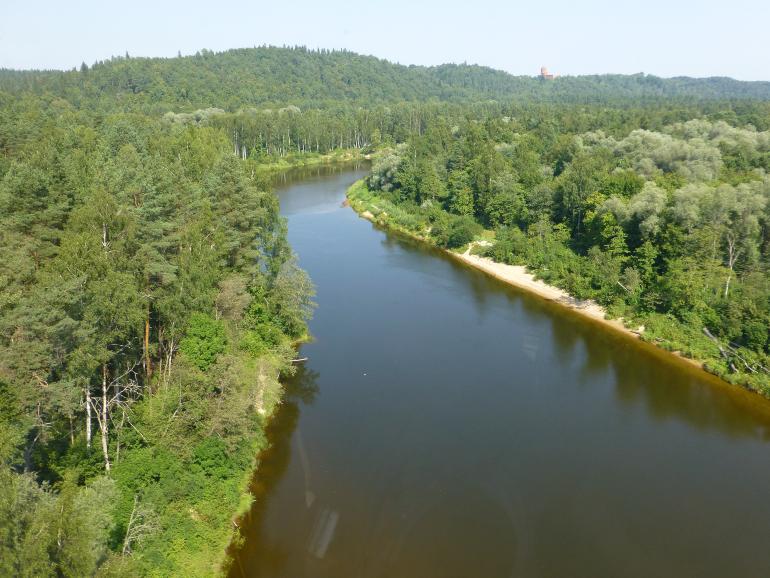 Valle y rio Gauja desde el teleferico