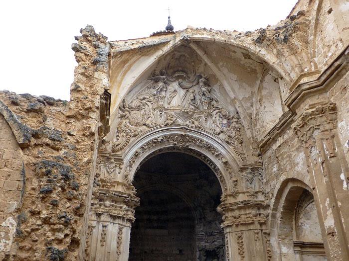 ruinas del altar del monasterio de piedra