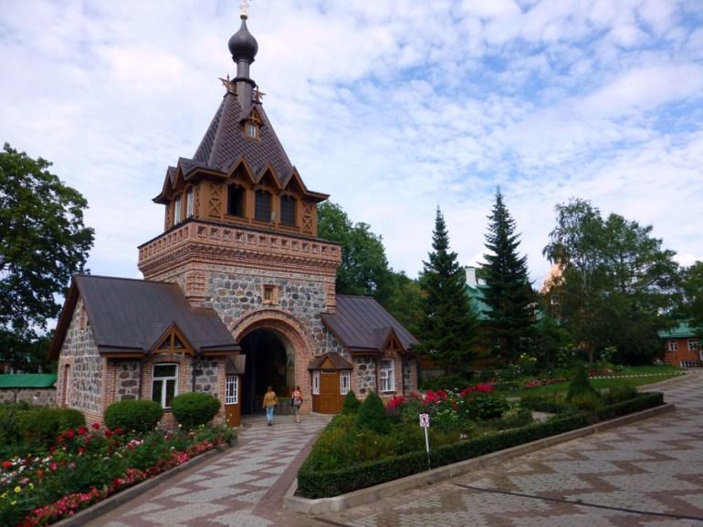 convento-Puhtitsa-en-kuremae-6