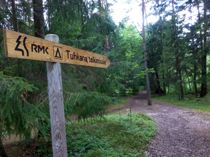 camino hacia la playa de tahkuna