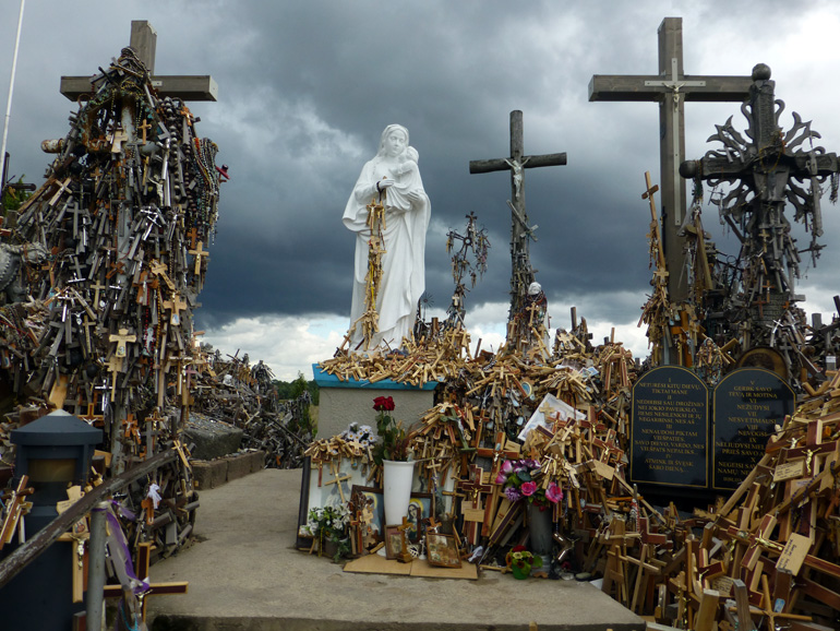 colina-de-las-cruces-lituania-4